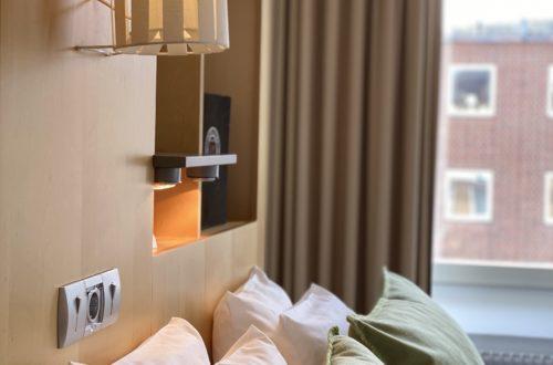 Dubbelrum med extra säng och skrivbord